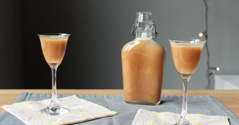 Kokosový vaječný likér