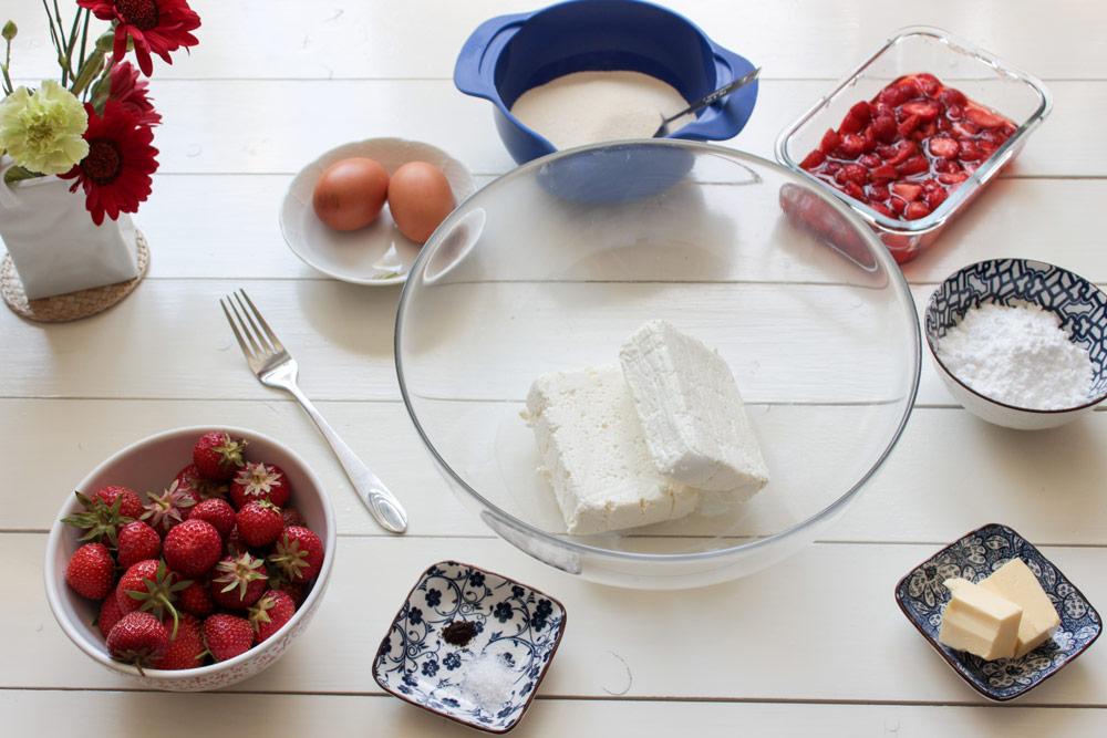 Ingrediencie na tvarohové gule s jahodami