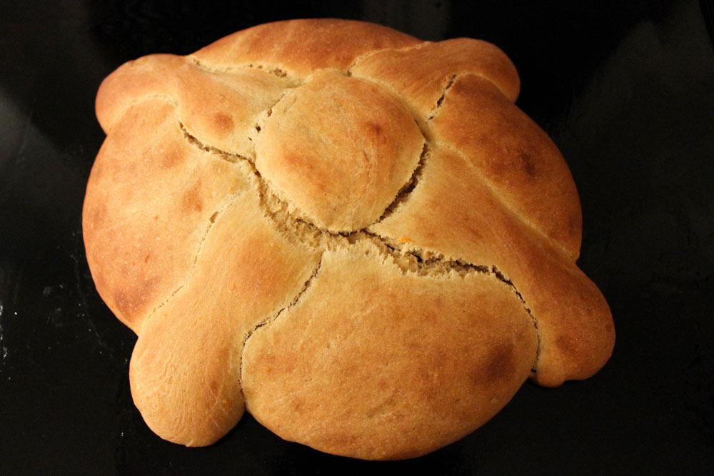 Pan de muerto after baking
