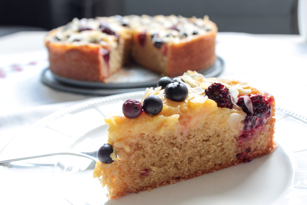 Black and blueberry cake