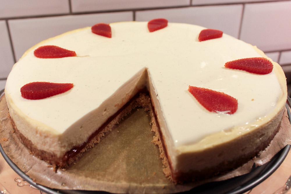 Cheesecake s guávovou plnkou