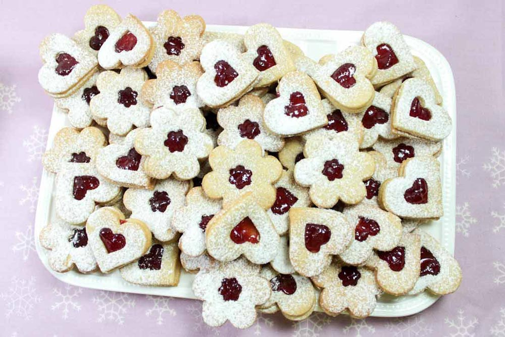 Lovely linzer cookies