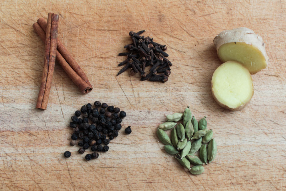 Basic spices for chai latte