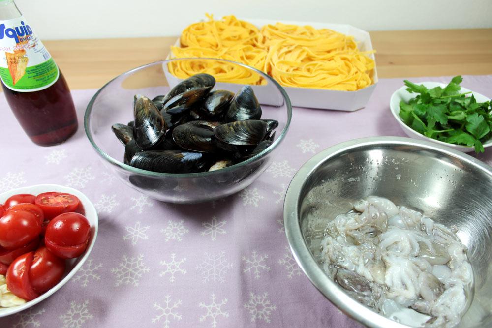 Seafood tagliatelle ingredients