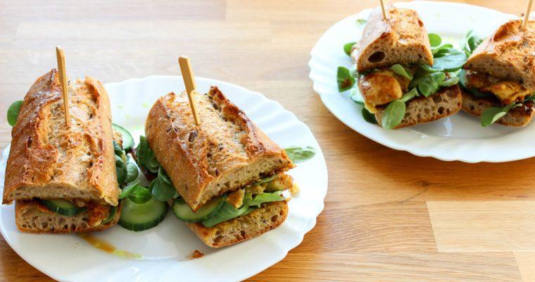 Kari kurací sendvič s marhuľovým čatní