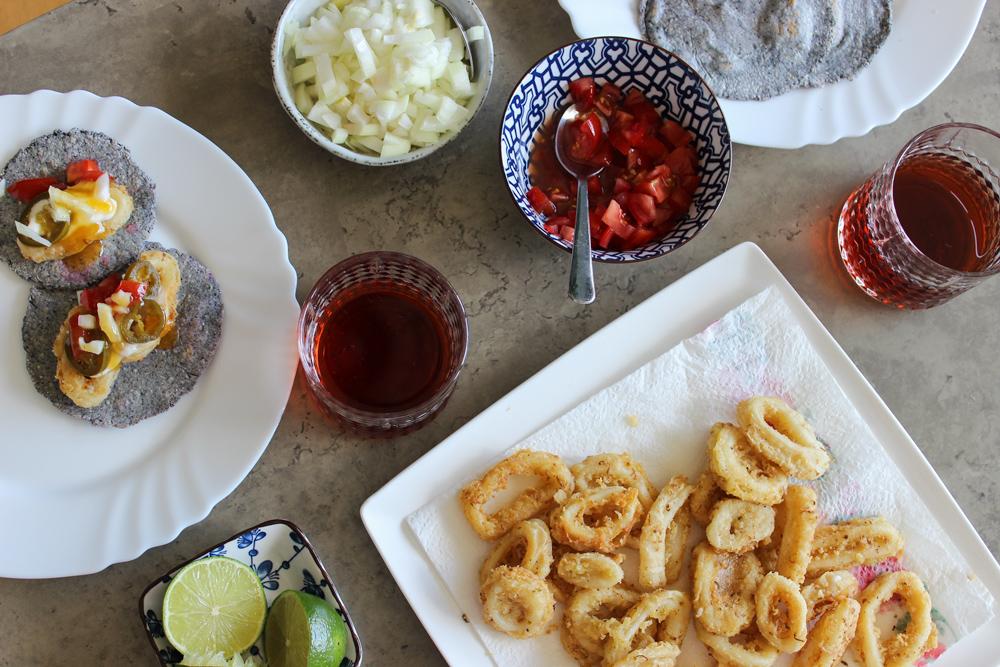 Kukuričné tacos: s trhaným kuracím mäsom alebo kalamárom