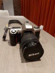 Nikon F65 met Nikkor 705-300 lens met extra lens