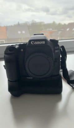 Canon 80D (eventueel met batterijgrip & lens)
