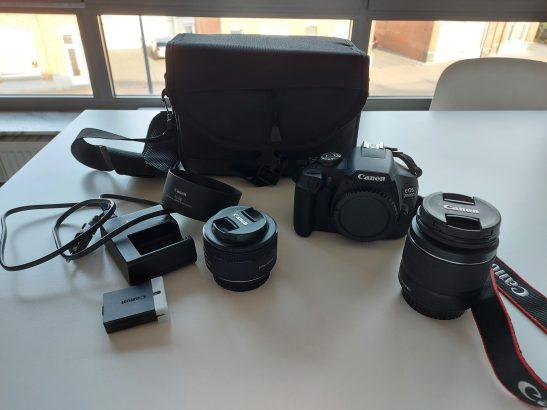 Canon EOS 2000d body + 2 lenzen + accessoires