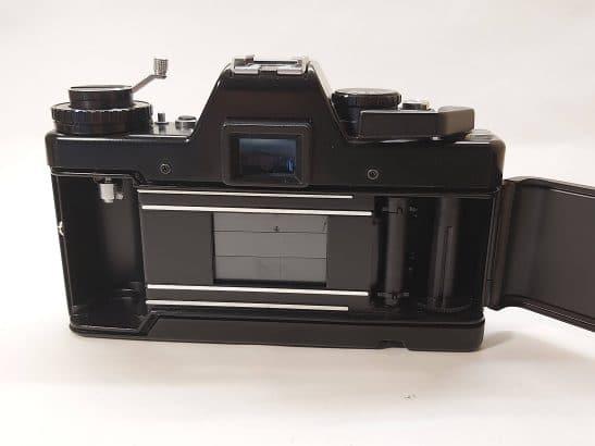 Praktica B 200 + Pentacon 50mm / f1.8 lens