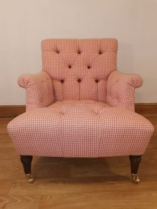 Tufted button Chair