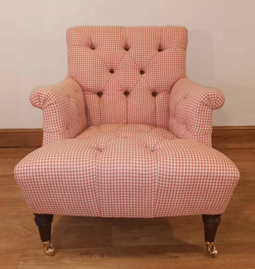 button tuft chair