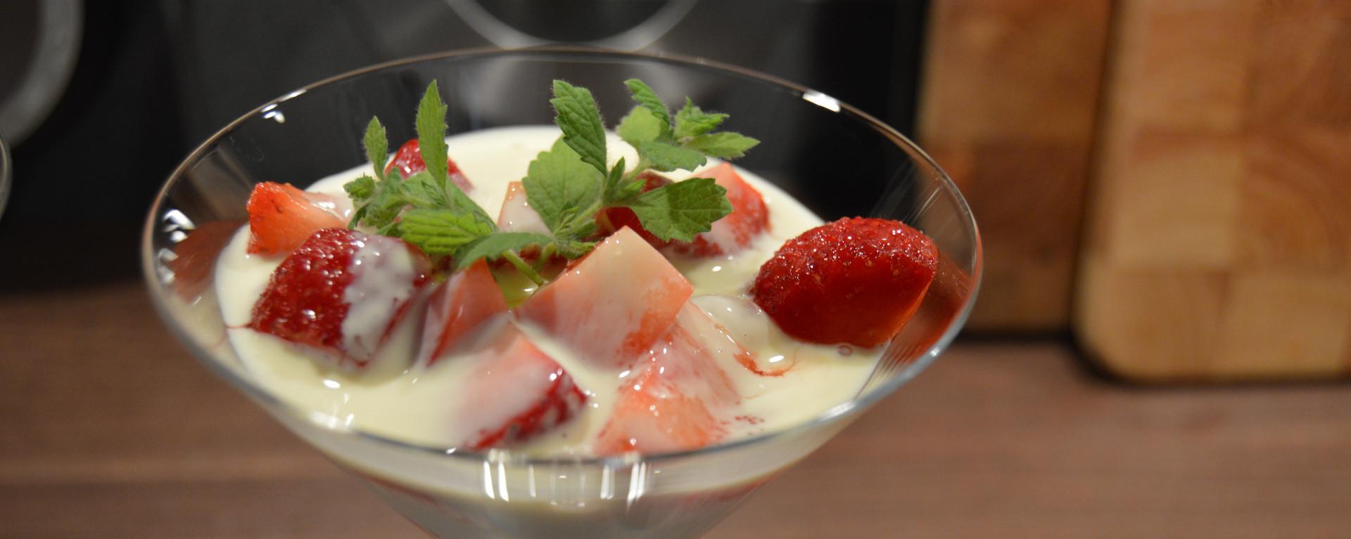 Norwegian Strawberries with vanilla sauce