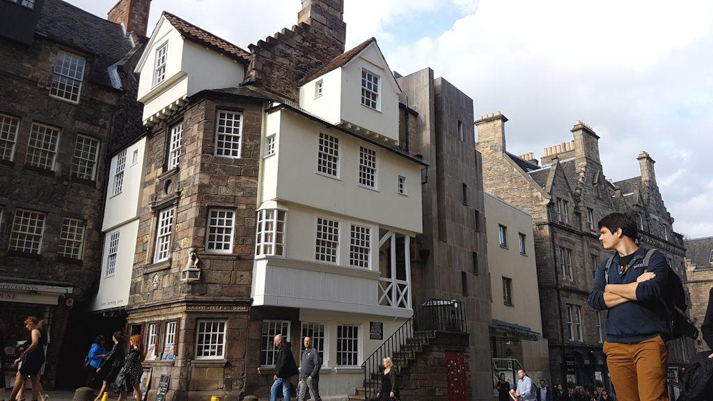 KnoxHouse-Street