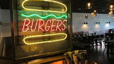 Buddys Food, Bowling and Bar
