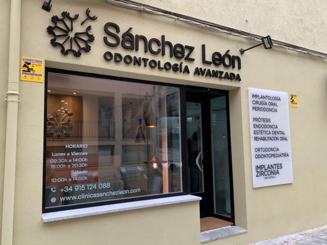 Clínica Dental Sánchez León en San Lorenzo de El Escorial, El Escorial