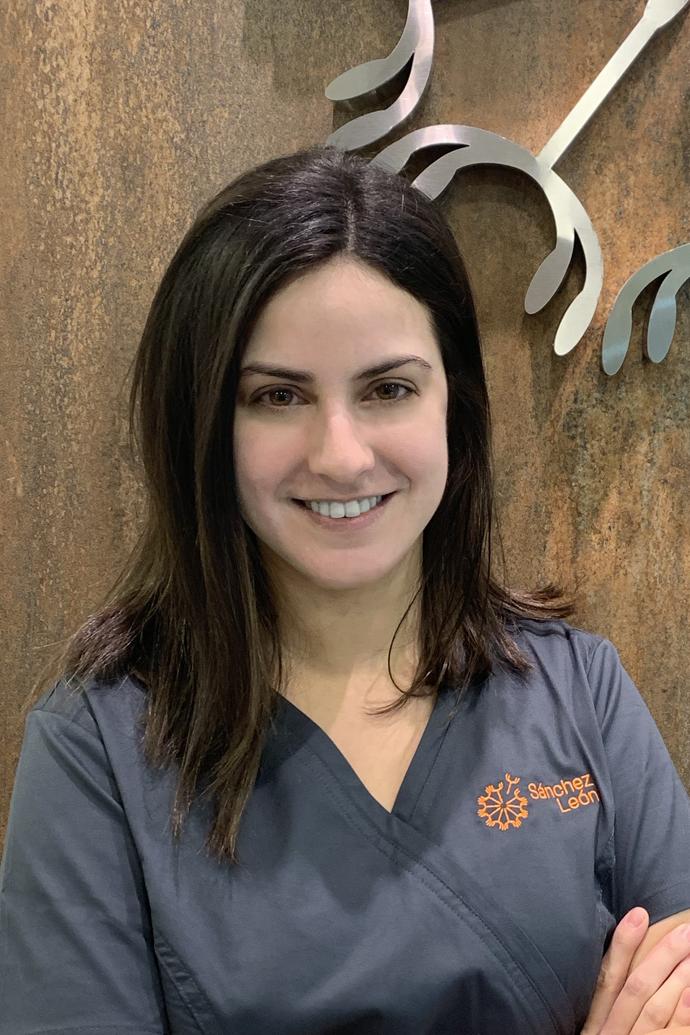 Clínica Dental Sánchez León - Ana Beatriz Celis Gonzalez - San Lorenzo de El Escorial