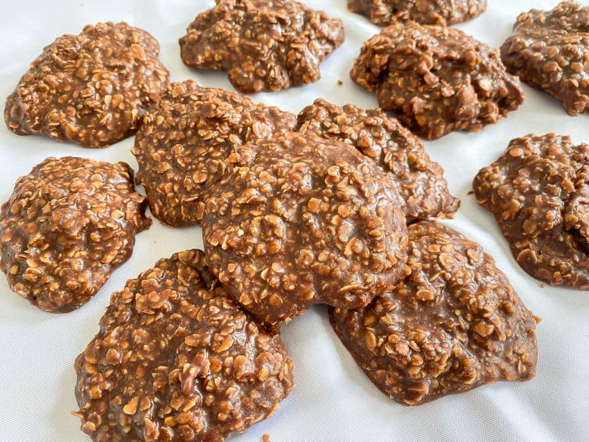 No Bake Peanut Butter Chocolate Cookies