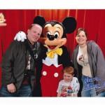 Meet Mickey Photo Using Disney PhotoPass in Disneyland Paris