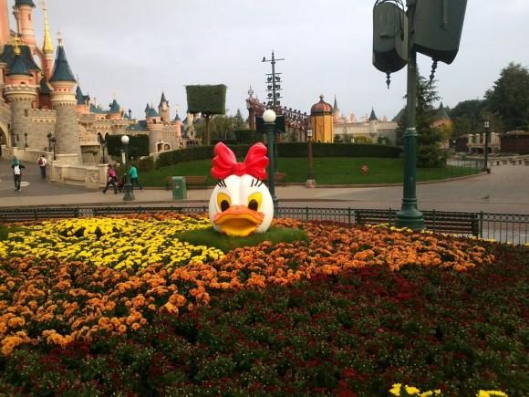 Daisy Duck Pumpkin Head in Disneyland Paris for Halloween 2013