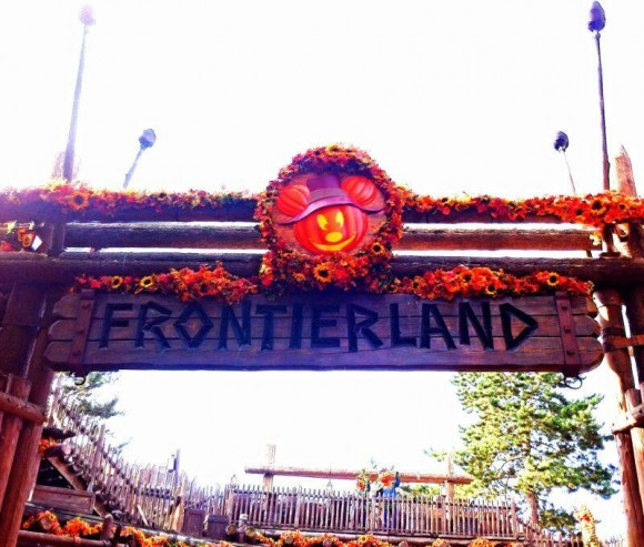 Frontierland is Ready for Halloween 2013 in Disneyland Paris