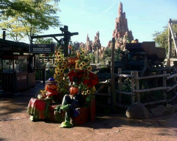 Pumpkin Men in Frontierland for Halloween 2013 in Disneyland Paris