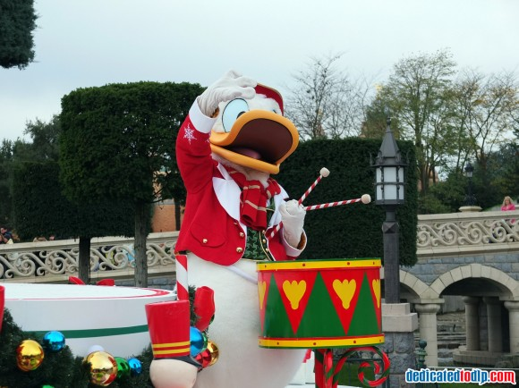 Donald in the Christmas Cavalcade in Disneyland Paris