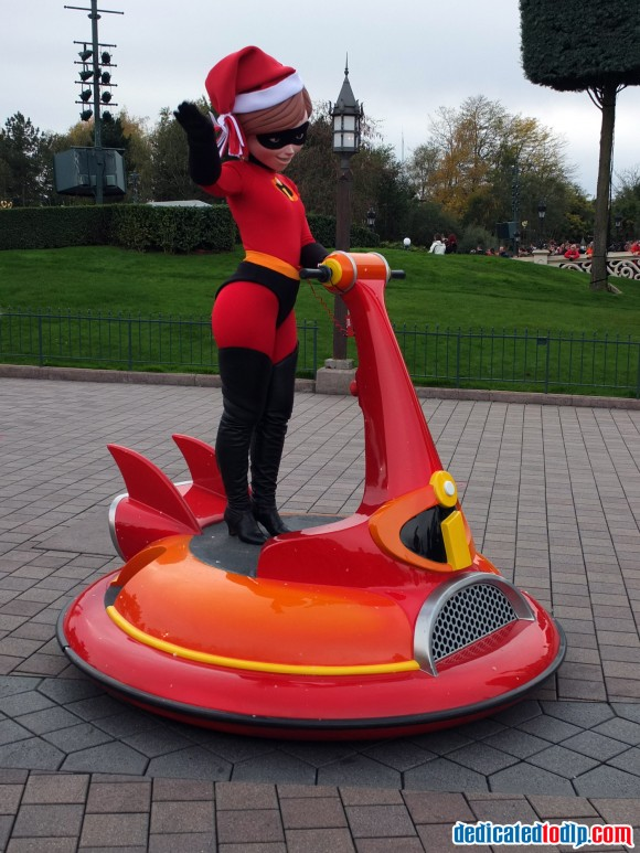 Mrs Incredible in the Christmas Cavalcade in Disneyland Paris