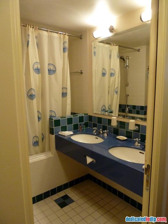 Hotel New York Bathroom in Disneyland Paris