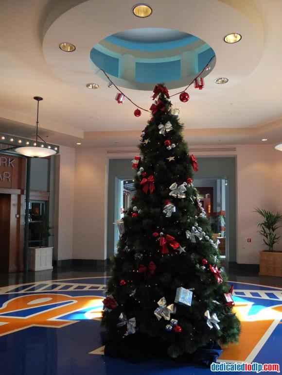Christmas Tree in Hotel New York in Disneyland Paris
