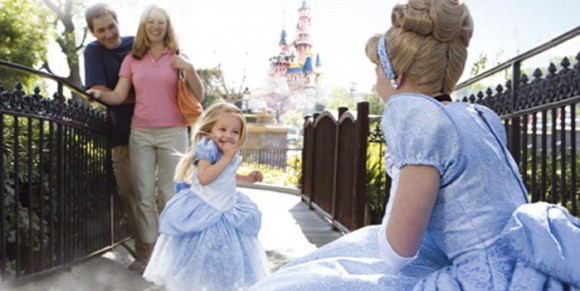The Characters from the Disneyland Hotels Now Part of Extra Magic Hours in Disneyland Park