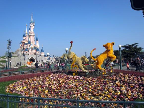 Disneyland Paris Photos: Swing into Spring