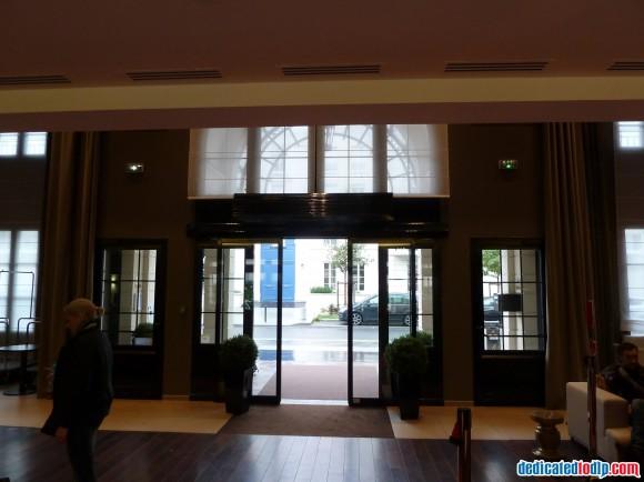 Inside Entrance at Hipark Serris-Val d'Europe