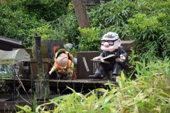 Disneyland Paris News: Carl and Russell From UP Invade Adventureland