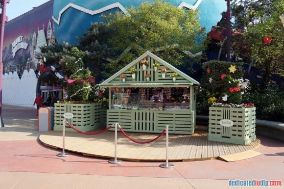 Disneyland Paris Photo Friday. Swing into Spring:  Disney Village