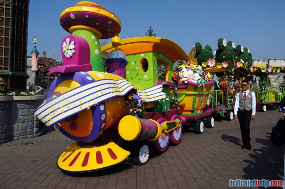 Disneyland Paris Photo Friday. Swing into Spring: Celebration Train