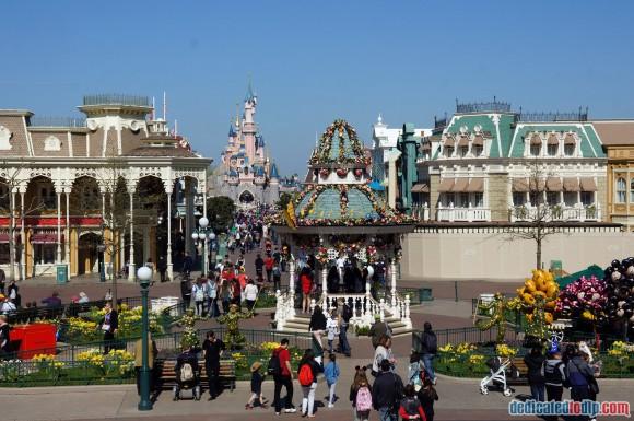 Disneyland Paris Photo Friday. Swing into Spring: Looking Down Main Street