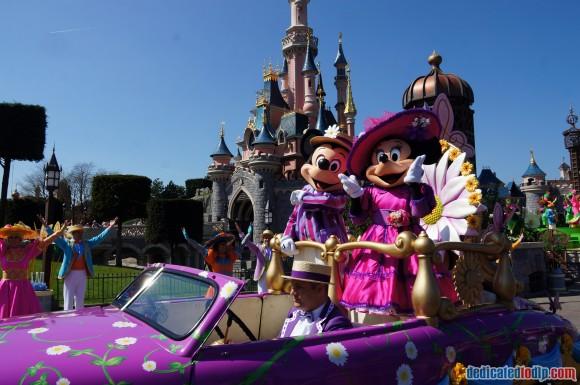 Disneyland Paris Photo Friday. Swing into Spring: Spring Promenade