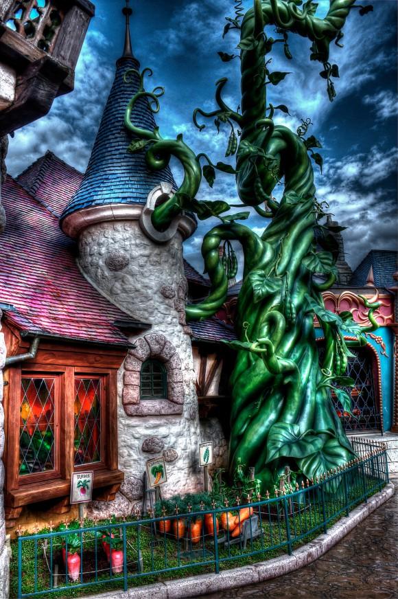 Disneyland Paris Photo Friday: Disneyland Park in Magical HDR. Beanstalk