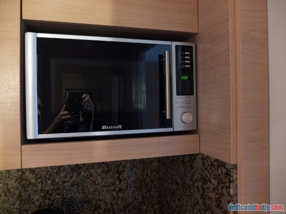 Relais Spa Chessy Val d'Europe Aprthotel (Near Disneyland Paris) – Premium Double Room Review - Microwave