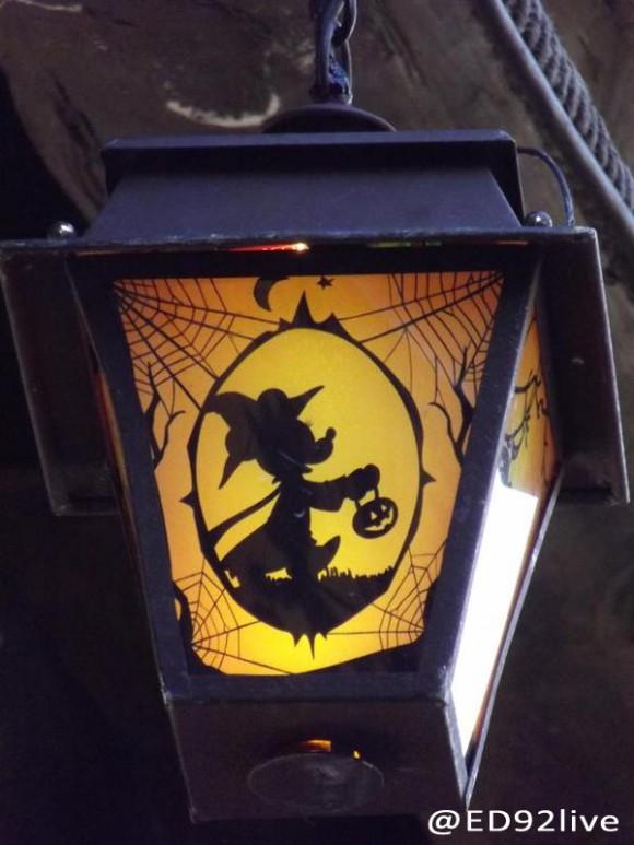 Halloween Lantern in Frontierland, Disneyland Paris