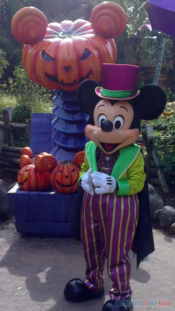 Disneyland Paris Diary: Halloween 2015 – Day 2 - Halloween Mickey