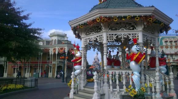 Disneyland Paris Diary: Halloween 2015 - Day 1 - Bandstand