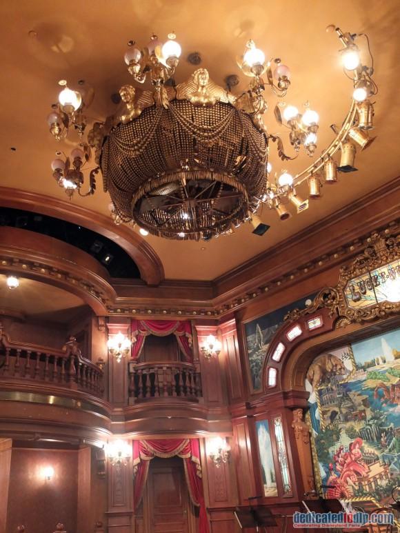 Disneyland Paris Restaurant Review: The Lucky Nugget Saloon