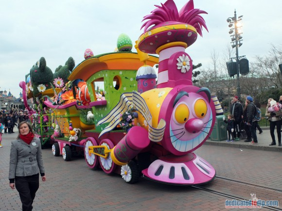 Disneyland Paris Review: Swing into Spring 2016 - Minnie's Little Spring Train