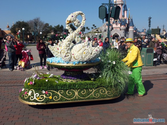 Disneyland Paris Review: Swing into Spring 2016 - Goofy's Garden Party