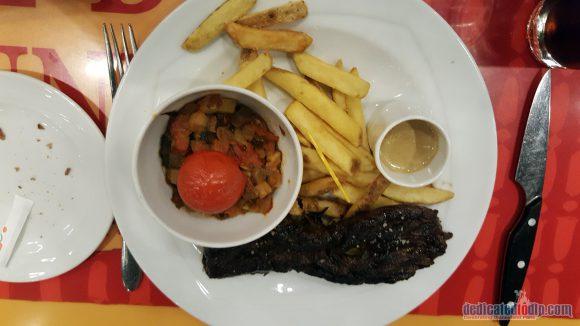 Disneyland Paris Restaurant Review: Bistrot Chez Rémy - Grilled Beef