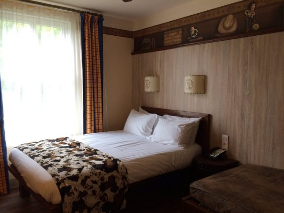 Katie's Disneyland Paris Trip Report Hotel Cheyenne Texas Room