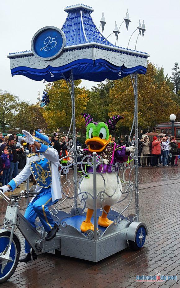 Disneyland Paris Review: Halloween Season 2017 - Mickey's Halloween Tricycle Gang