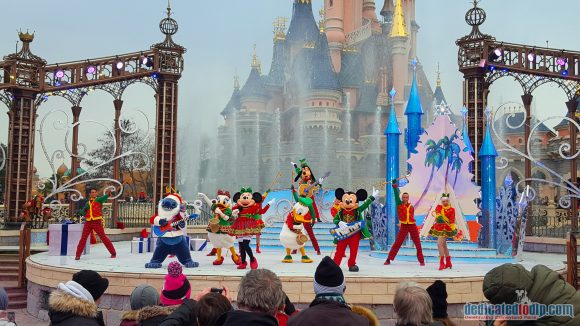 A Merry Stitchmas - Disney's Enchanted Christmas 2018 in Disneyland Paris